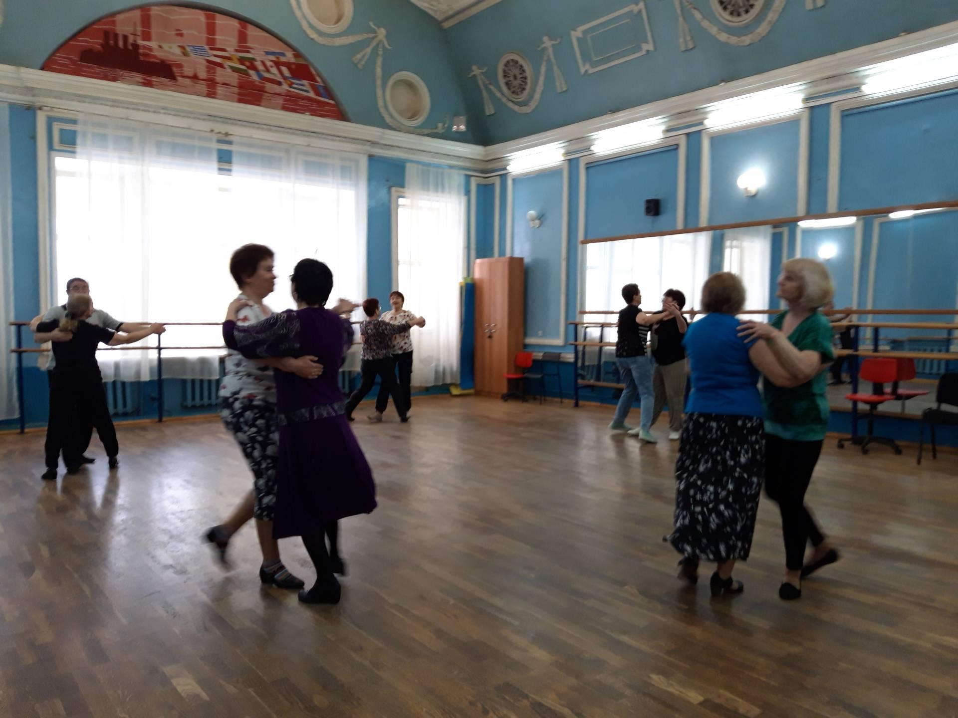 Клуб исторического бального танца «Возрождение»
