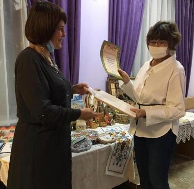 Выставка рукоделий «Из бабушкиного сундука»